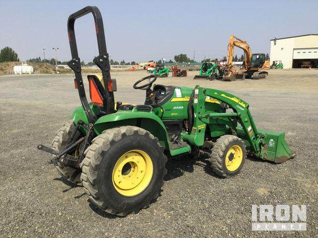 2012 John Deere 3320 4WD Utility Tractor in Airway Heights