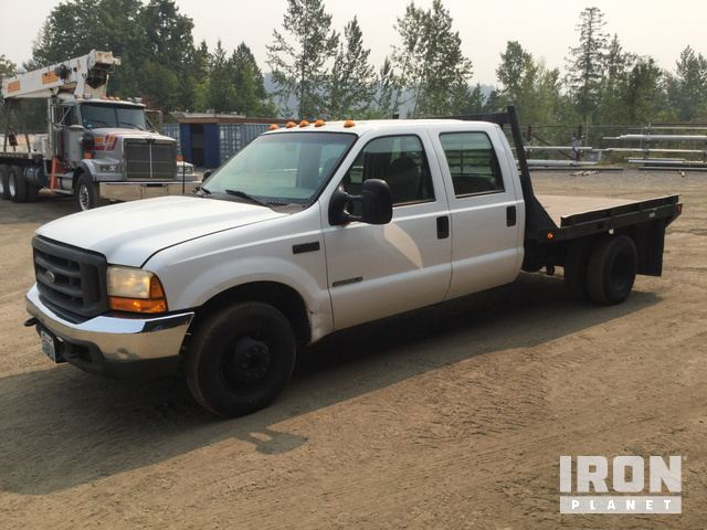 2001 Ford F350 Super Duty S/A Flatbed Truck in Bellingham