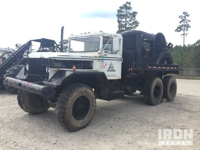 1966 International Puller/Tensioner Truck in Currie, North
