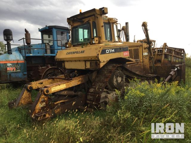 Cat D7H Crawler Dozer in Rochelle, Illinois, United States