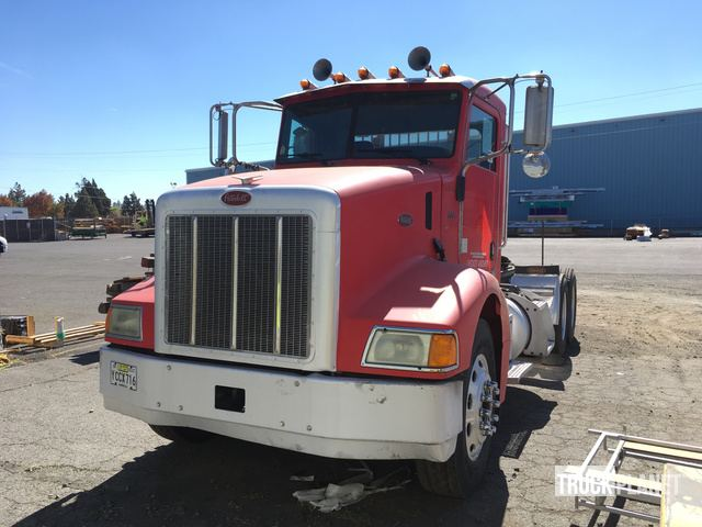2005 Peterbilt 385 T/A Day Cab Truck Tractor in Bend, Oregon, United States (TruckPlanet Item #1701509)