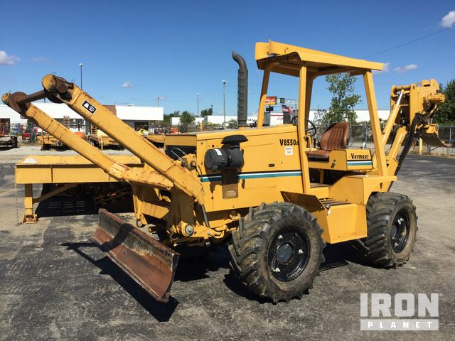 2004 Vermeer V8550A Trencher/Cable Plow in Fort Wayne, Indiana