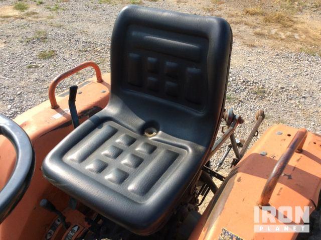 Kubota B7200 4WD Tractor in Batesville, Arkansas, United