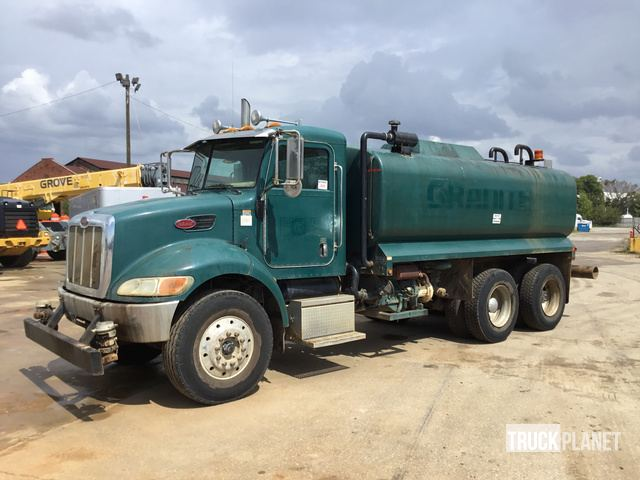 2006 Peterbilt 335 T/A Water Truck: On Road in Birmingham, Alabama, United States (TruckPlanet Item #1713174)