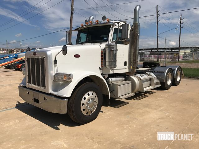 2015 Peterbilt 367 T/A Day Cab Truck Tractor in Houston