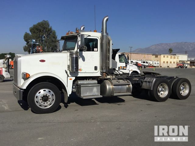 2013 Peterbilt 367 T/A Day Cab Truck Tractor in Fontana, California