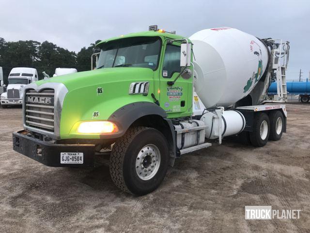 2016 Mack GU813 T/A Mixer Truck in Humble, Texas, United States