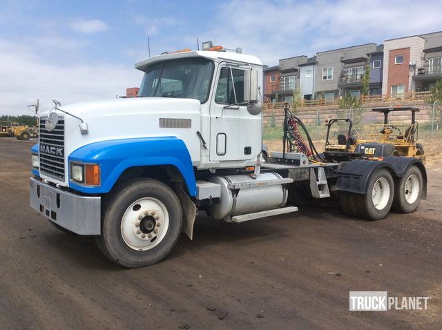 1994 Mack CH613 T/A Day Cab Truck Tractor in Westminster, Colorado