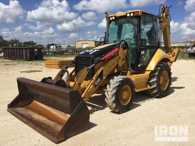 2007 Cat 420E IT 4x4 Backhoe Loader in Pleasanton, Texas