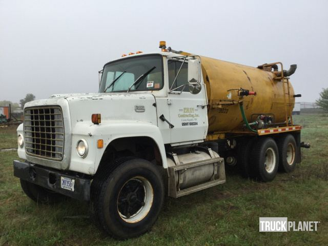 1971 (unverified) Ford 8000 T/A Water Truck in Ramsey
