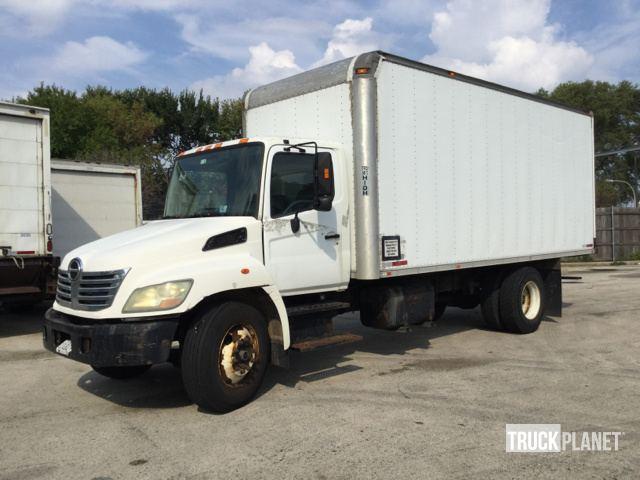 2007 Hino 268 Cargo Truck in Chicago, Illinois, United