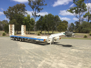 Single Drop Deck Trailers