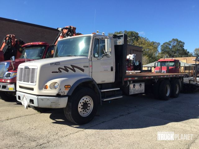 2001 Freightliner FL112 T/A Flatbed Truck in Chicago, Illinois
