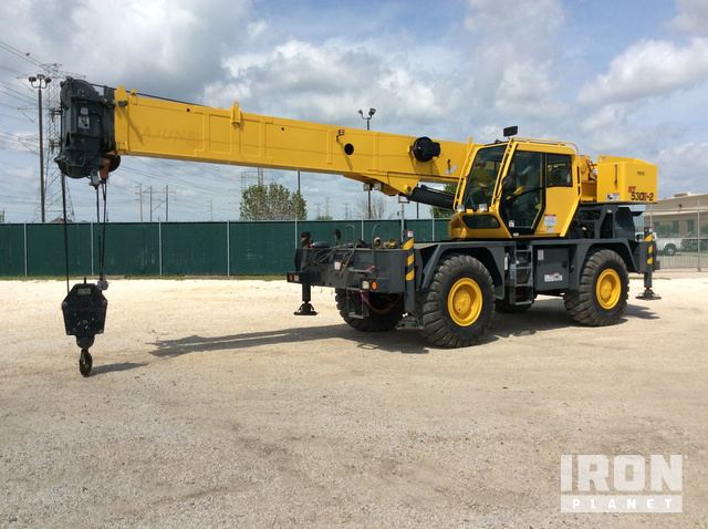 2013 Grove RT530E-2 Rough Terrain Crane, Rough Terrain Crane