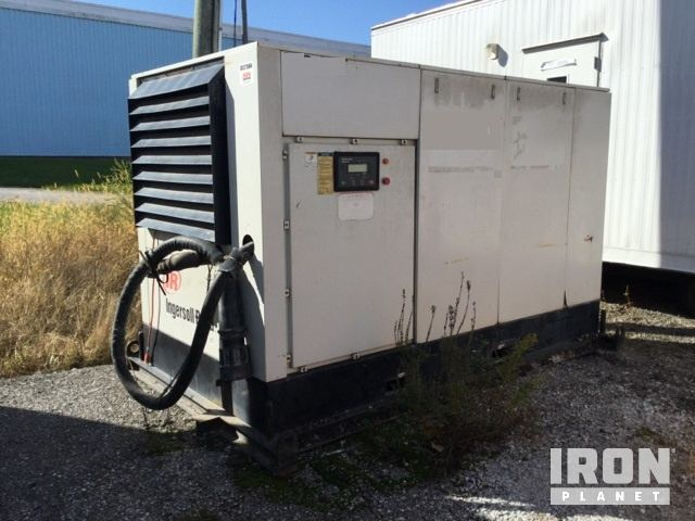 Ingersoll-Rand SSR-EP200 892 CFM Electric Air Compressor in