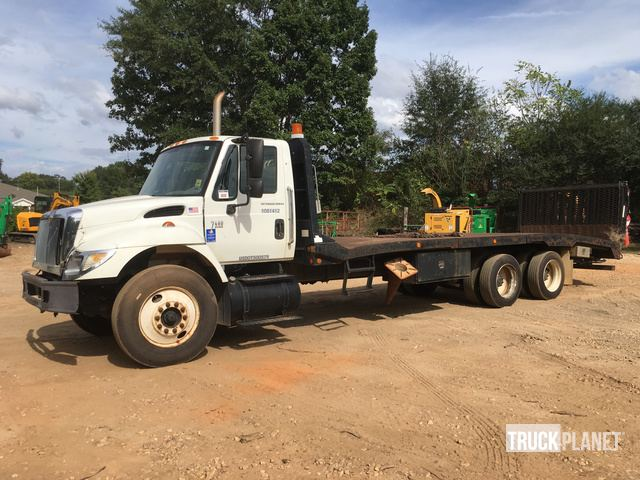 2007 International 7400 T/A Rollback Truck in Griffin, Georgia