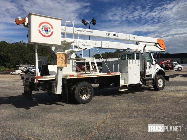 Lift-All LM-70-2MS Bucket on 2010 Freightliner M2 106 S/A