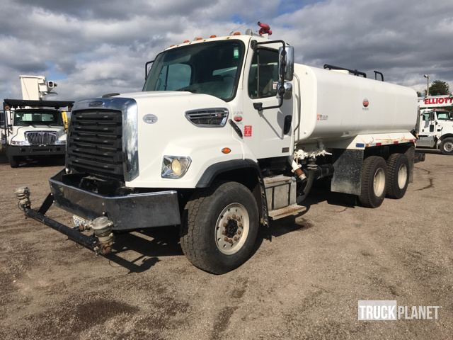 2013 Freightliner 108SD T/A Water Truck in Canton, Ohio