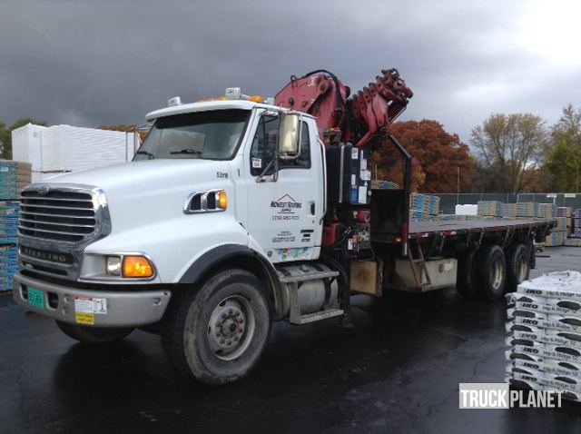 Fischer 933 8S Knuckle Boom on 2007 Sterling LT9500 T/A