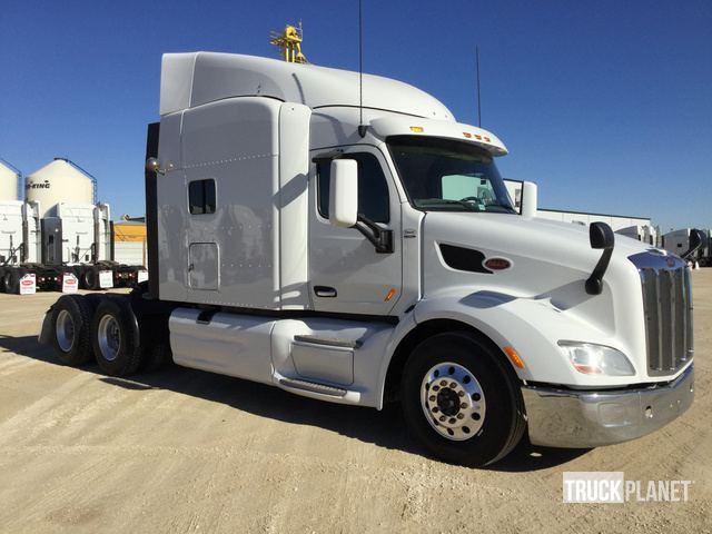 2015 Peterbilt 579 T/A Sleeper Truck Tractor in Winnipeg