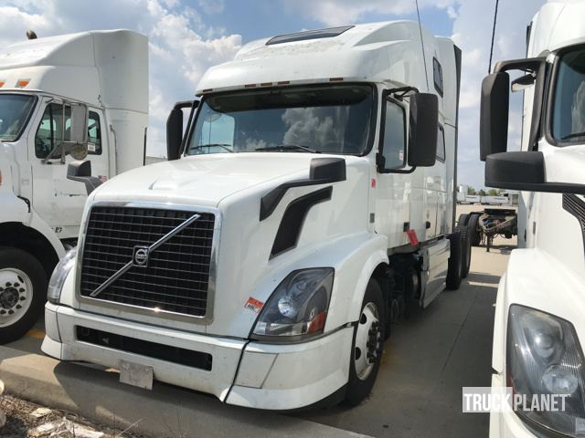 2013 Volvo Vnl T A Sleeper Truck Tractor In Columbus Ohio