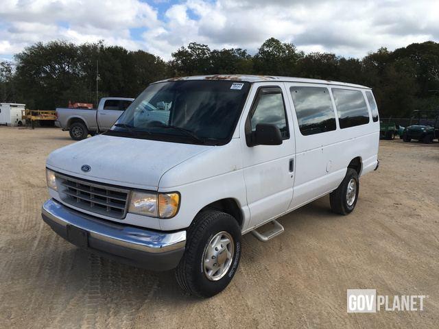 16c2ad362c Surplus 1996 Ford E-350 Club Wagon XLT Van in Austin