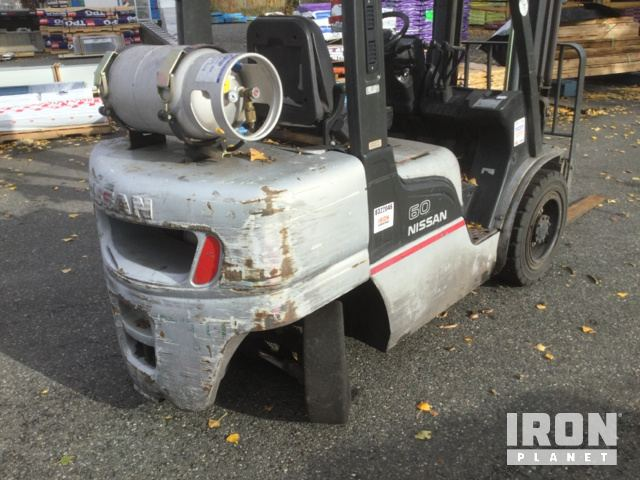2006 Nissan MUGL02A30LV Pneumatic Tire Forklift in Mount