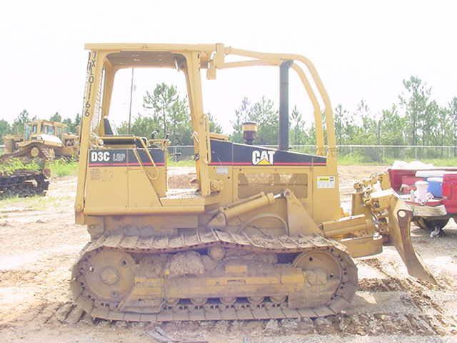1997 Cat D3C LGP III Crawler Dozer in Gulfport, Mississippi