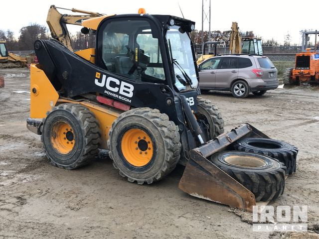 2011 JCB 330 Skid-Steer Loader in Fairview, Pennsylvania