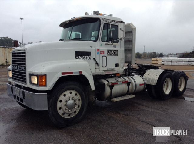 1998 Mack CH613 T/A Day Cab Truck Tractor in Meridian, Mississippi