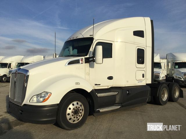 2016 Kenworth T680 T/A Sleeper Truck Tractor in Indianapolis
