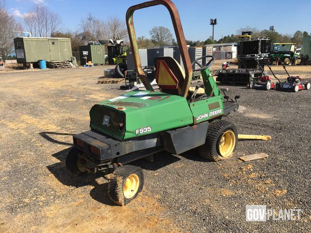 Surplus John Deere F935 Mower in Saraland, Alabama, United States