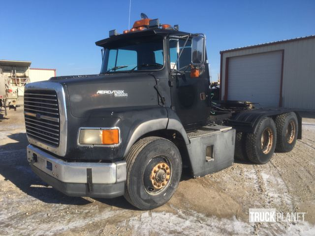 1994 Ford LTA9000 T/A Day Cab Truck Tractor in Waverly, Iowa