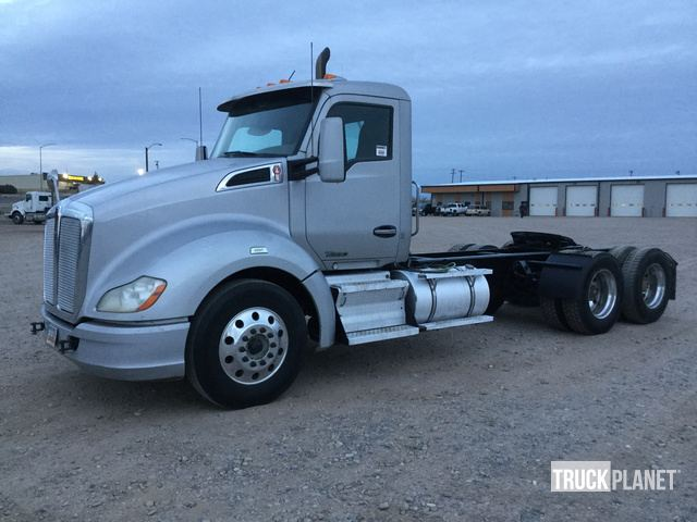 2014 Kenworth T680 T/A Day Cab Truck Tractor in Penrose