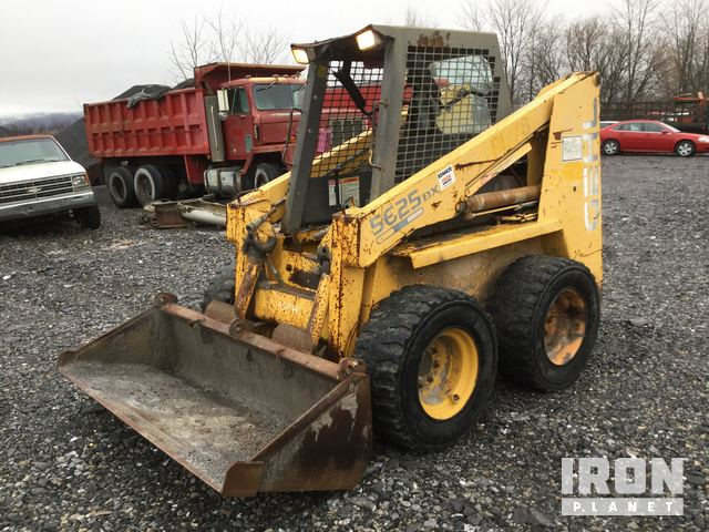Gehl 5625DX Skid-Steer Loader in Roaring Spring