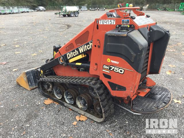 2015 Ditch Witch SK755 Compact Track Loader in Jacksonville, Florida