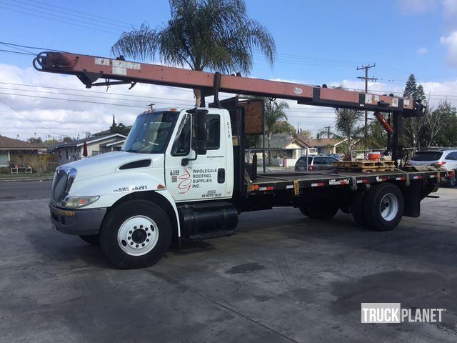 2007 International 4300 Flatbed Truck w/Conveyor in Anaheim