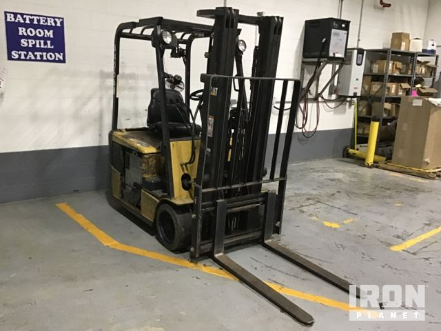 Cat Electric Forklift in Austin, Indiana, United States