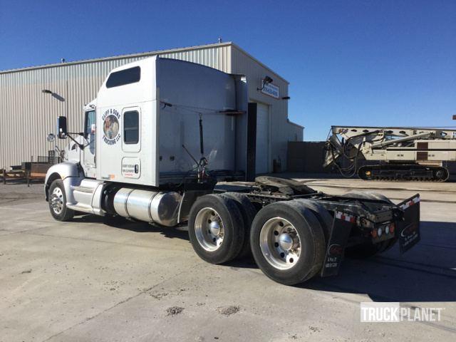 2014 Kenworth T600 T/A Sleeper Truck Tractor in Odessa, Missouri
