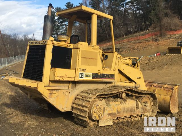 Cat 963 LGP Crawler Loader in Harmans, Maryland, United