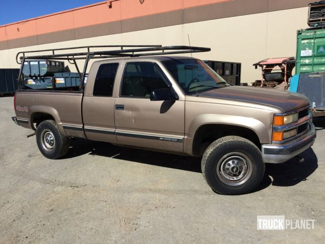 1996 Chevrolet 2500 4x4 Extended Cab Pickup in South San