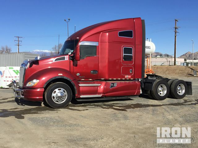 2015 Kenworth T680 T/A Sleeper Truck Tractor in Perris, California