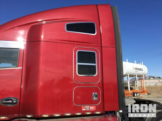 2015 Kenworth T680 T/A Sleeper Truck Tractor in Perris