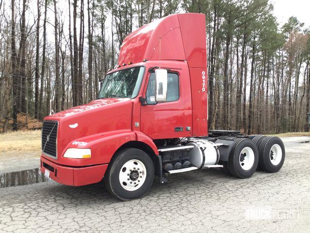 2009 Volvo VNM T/A Day Cab Truck Tractor in Mechanicsville, Virginia