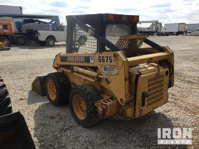 John Deere 6675 Skid-Steer Loader in Morris, Illinois