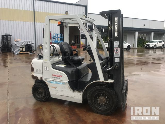 2015 Nissan PF50LP Pneumatic Tire Forklift in Edinburg