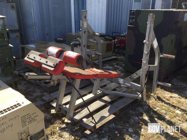 Surplus Hammer Strength Bench Press in Kapolei, Hawaii