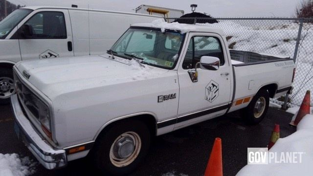 1989 dodge pickup truck
