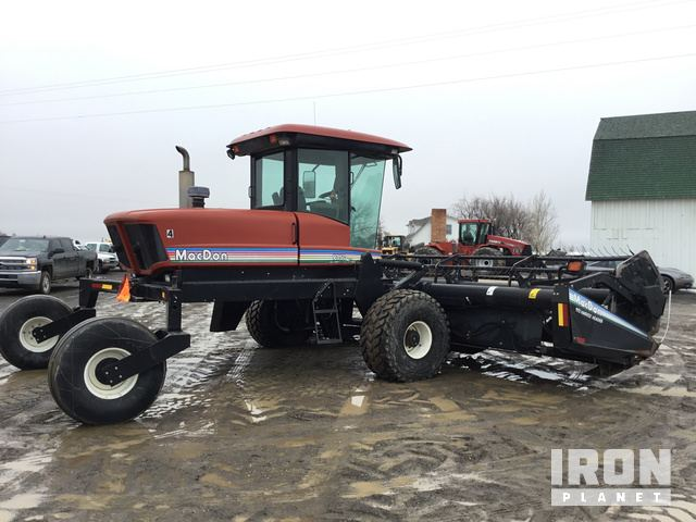 MacDon 9350 Swather/Windrower in Gooding, Idaho, United States