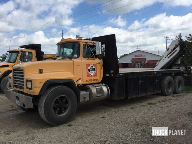 IMT 20/141 Knuckle Boom on 1998 Mack RD690S T/A Truck in Clear Lake on